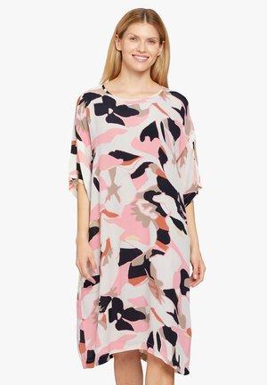Day dress - peach blossom