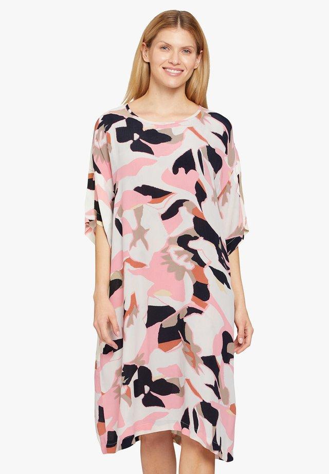 Korte jurk - peach blossom