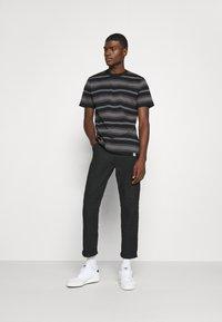 Carhartt WIP - BUREN  - Print T-shirt - black - 1