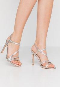 Even&Odd - Korolliset sandaalit - silver - 0