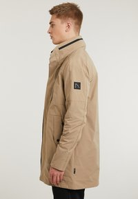 CHASIN' - SATURN LIGHT - Short coat - beige - 2