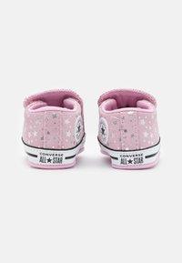Converse - CHUCK TAYLOR ALL STAR CRIBSTER - Scarpe neonato - pink glaze/silver/white - 2