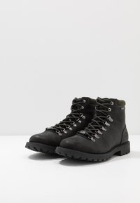 Barbour - QUANTOCK HIKER - Šněrovací kotníkové boty - black - 2