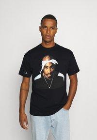 Chi Modu - PAC BANDANA - Print T-shirt - black - 0