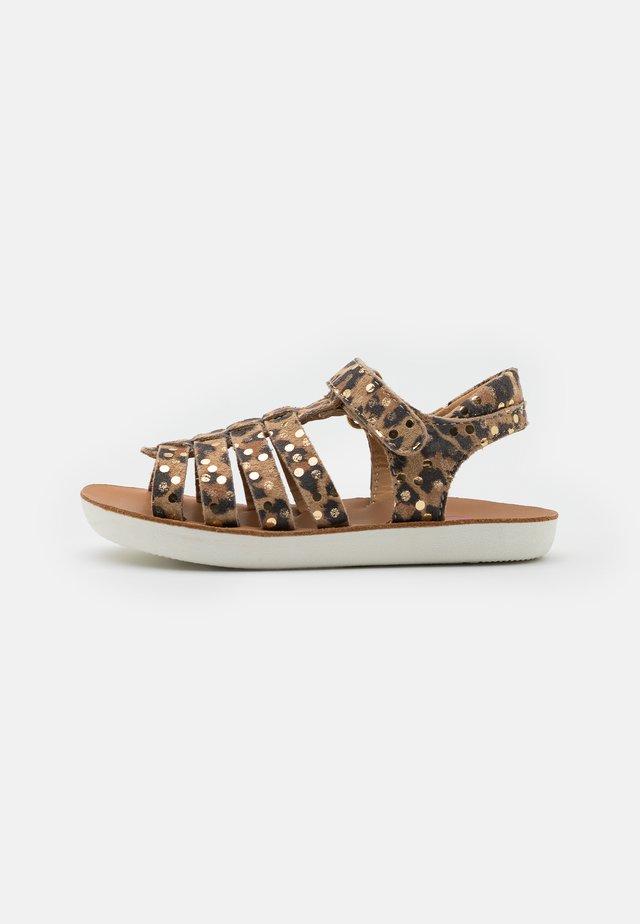 GOA SPART - Sandaalit nilkkaremmillä - naturel/platine
