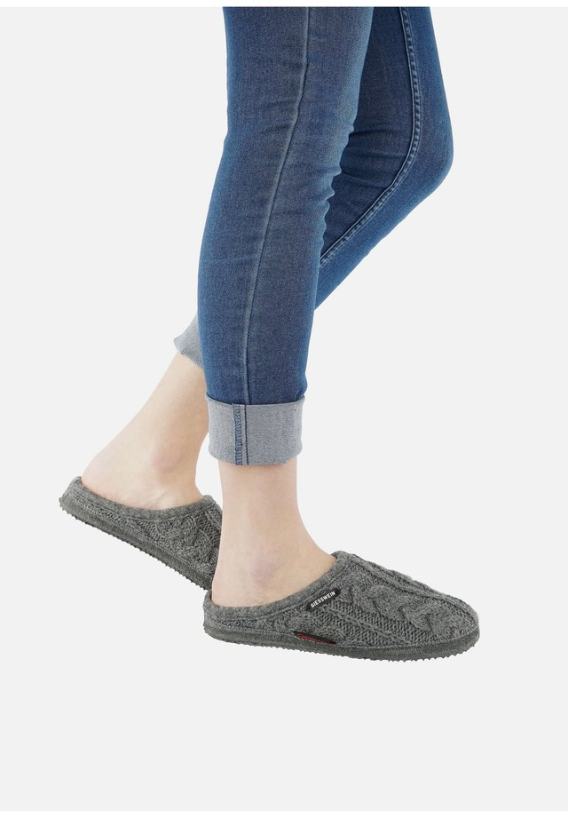NEUDAU  - Slippers - grey