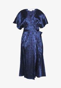 Lost Ink Petite - KIMONO WRAP SLEEVE DRESS - Robe d'été - navy - 4