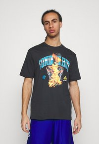 Under Armour - CURRY COMING IN HOT TEE - T-shirts print - black - 0
