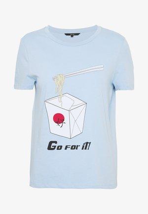 VMJUDITH FRANCIS BOX - Print T-shirt - placid blue