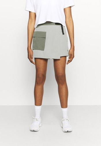 PARAMOUNT SKORT - Sports skirt - dark grey/olive