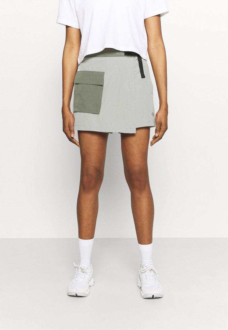 The North Face - PARAMOUNT SKORT - Sports skirt - dark grey/olive