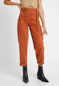 Topshop - UTILITY POCKET TROUSER - Trousers - rust - 0