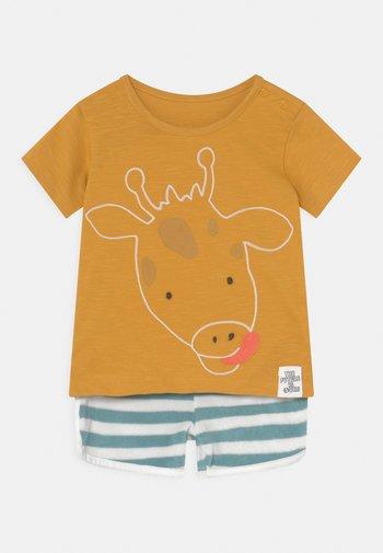 BABY GIRAFFE OUTFIT SET - Print T-shirt - dark gold