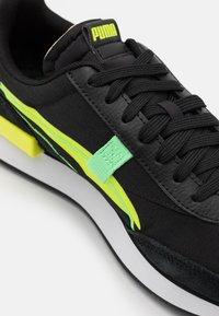 Puma - FUTURE RIDER TWOFOLD UNISEX - Trainers - black/yellow alert - 5