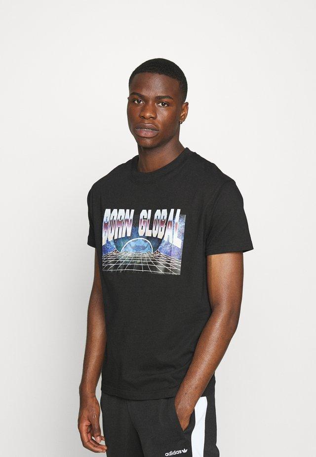 SULTON - T-shirts med print - black