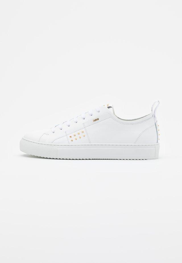 VICTORIA - Baskets basses - white