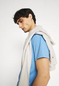 GAP - LOGO - Print T-shirt - blue - 3