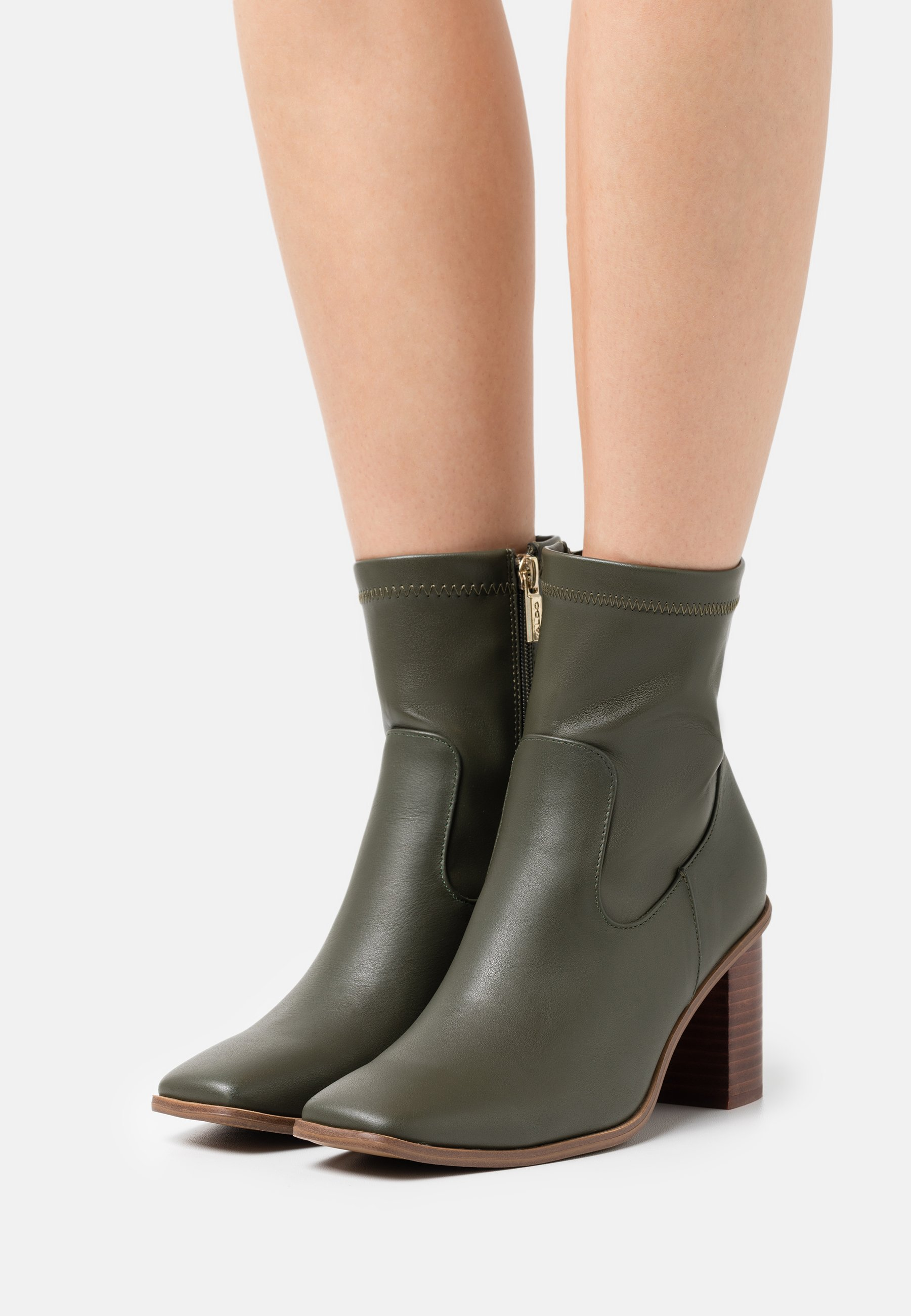 Women MARTA - Classic ankle boots