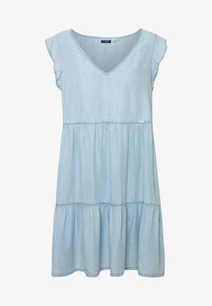 TINSLEY TIERED DRESS - Robe en jean - indigo light