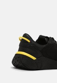 Guess - MODENA SMART - Sneakers - black - 6
