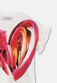 Desigual - BUDAPEST - Print T-shirt - white - 2