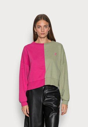 GEORGIA SPLIT CREWNECK - Sweatshirt - pink-oill green