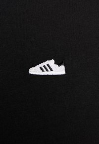 adidas Originals - MINI TEE - Print T-shirt - black - 5