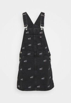DUNGAREE DRESS  - Denim dress - tj save fa critter black rigid