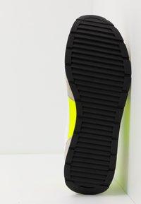 Emporio Armani - ZONE - Baskets basses - yellow/grey - 4