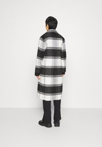 AllSaints - LOTTIE CHECK COAT - Classic coat - black/white - 2