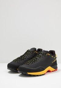 La Sportiva - TX GUIDE - Climbing shoes - black/yellow - 2