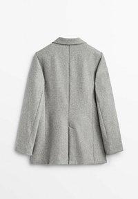 Massimo Dutti - MIT EIN KNOPF VERSCHLUSS  - Short coat - grey - 1