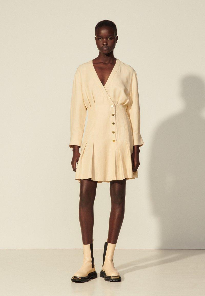 sandro - Vapaa-ajan mekko - beige