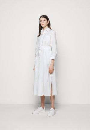 FAVILLA - Robe chemise - weiss