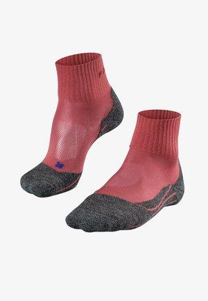 TK2 SHORT COOL - Sports socks - mixed berry