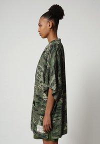 Napapijri - G-MAUI - Button-down blouse - camo green - 3