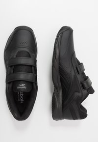 Reebok - WORK N CUSHION 4.0 KC - Obuwie do biegania Turystyka - black/cold grey - 1