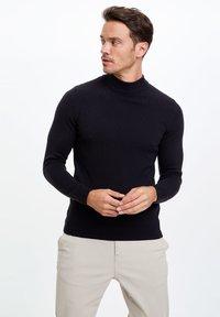 DeFacto - Stickad tröja - navy - 0