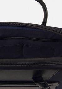 Hackett London - GATES SINGLE DOC - Across body bag - navy/black - 3