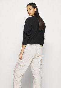 BDG Urban Outfitters - BLAINE SKATE - Pantalones cargo - ecru - 4
