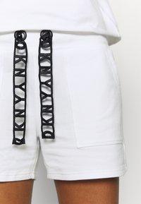 DKNY - SHORT LOGO DRAWCORD - Sports shorts - white - 4