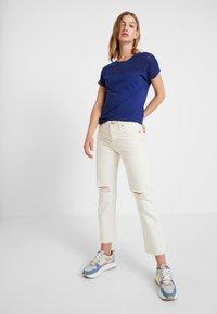 ONLY - ONLBURNOUT - Basic T-shirt - blue - 1