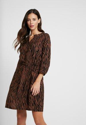 EMA DRESS - Robe d'été - mocca