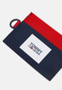 Tommy Jeans - URBAN HOLDER UNISEX - Peněženka - dark blue - 3
