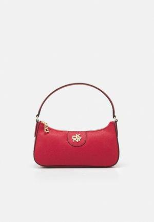 CAROL BAGUETTE - Handbag - bright red