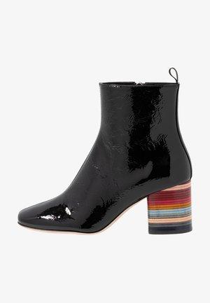 MOSS - Støvletter - black