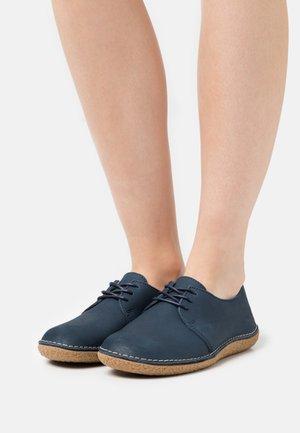 HOLSTER - Volnočasové šněrovací boty - marine