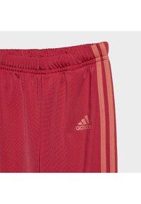 adidas Performance - FAVOURITES TRAINING SPORTS TRACKSUIT BABY SET - Tracksuit - red - 6