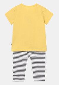 Staccato - SET - Print T-shirt - yellow - 1