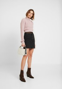 Glamorous - CROP ROLL NECK - Sweter - dusty pink - 1